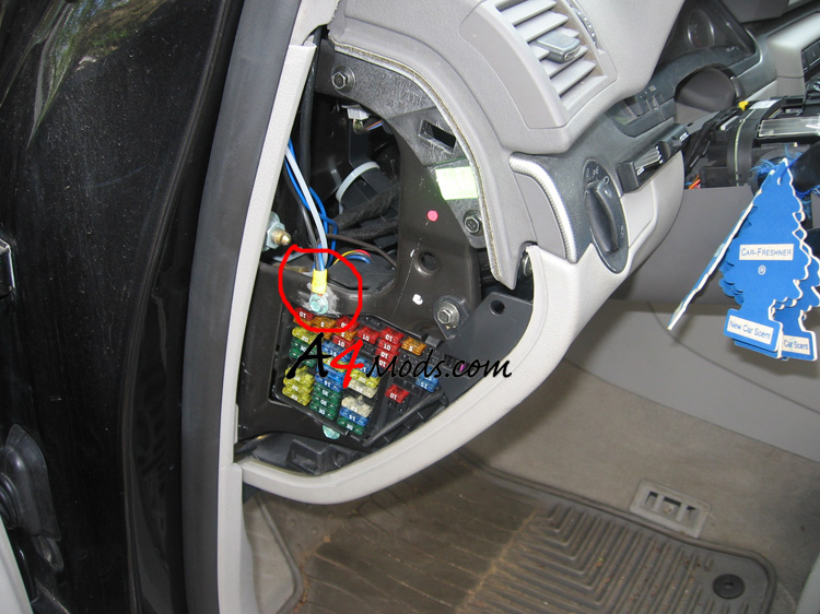 IMG_1654 fuse box on audi a4 3 0 audi wiring diagrams for diy car repairs 2006 Audi A4 Hood at panicattacktreatment.co